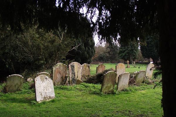Ardeley churchyard