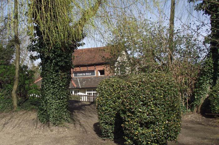 Dobb's Weir pub